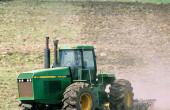 收割机、拖拉机的发动机冬季保养注意事项